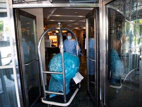 La pandemia avanza en EE.UU. mientras España vuelve a reconfinar a 200.000 personas
