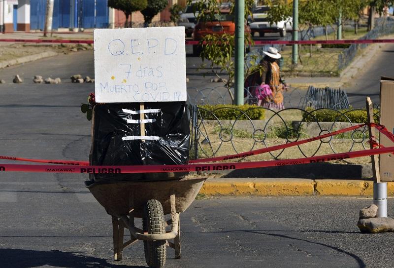 Vecinos protestan en Bolivia por cadáveres insepultos contagiados de covid-19