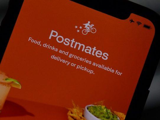 Uber compra la aplicación de reparto de comida Postmates por 2.650 millones de dólares