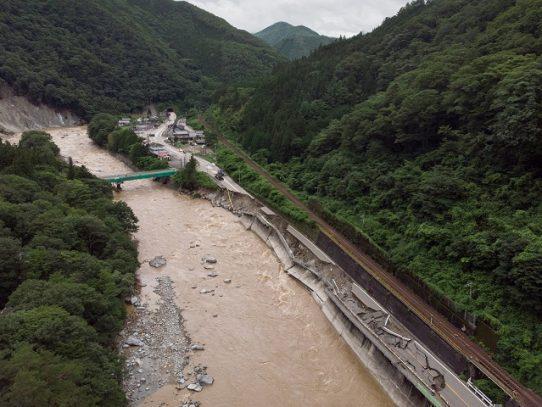 Miles de personas aisladas en Japón a causa de lluvias torrenciales e inundaciones