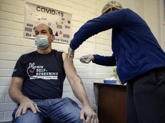 El coronavirus impacta más a los hombres. Los científicos empiezan a comprender por qué