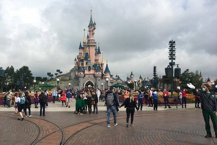 Blogueros de Disney recaudan casi 50.000 dólares para desempleados de parques