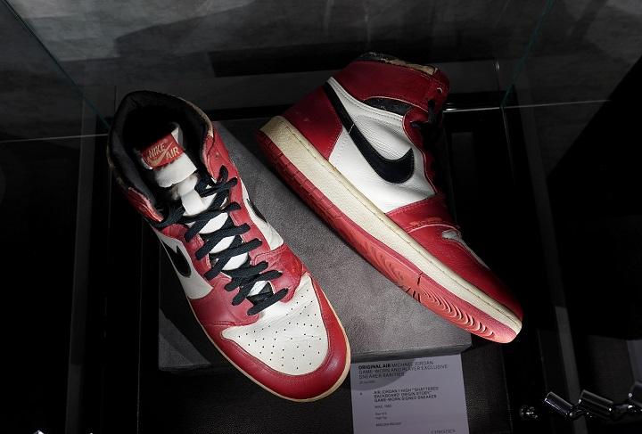 Subastan en NYC 11 pares de zapatillas de Michael Jordan, nuevo récord en vista