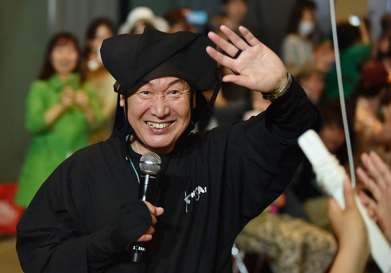 Fallece el diseñador japonés Kansai Yamamoto, famoso por su trabajo con David Bowie