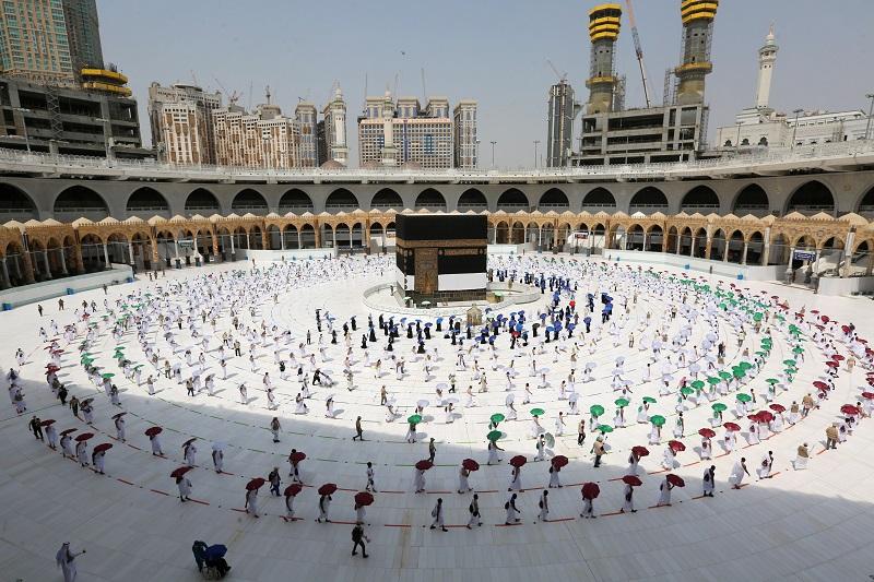 Los fieles llegan al Monte Arafat, etapa clave de peregrinación a La Meca