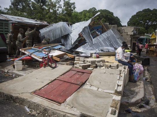 Huracán Isaías gana fuerza en el Caribe rumbo a Florida, epicentro de la pandemia