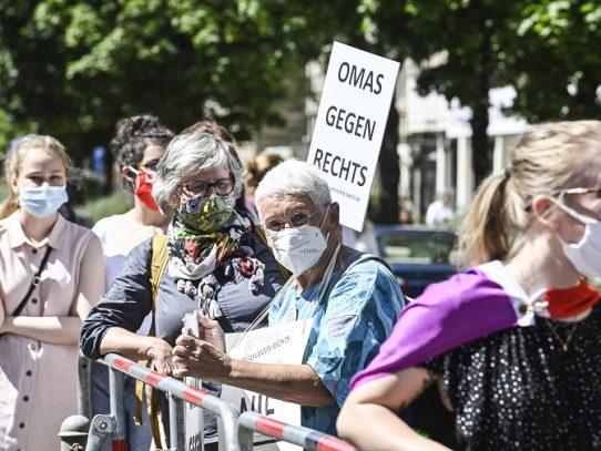 Justicia alemana autoriza una manifestación en Berlín contra las mascarillas
