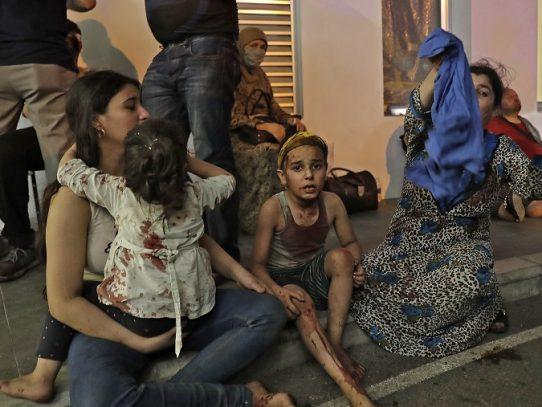 Conmoción y ayuda del extranjero a Líbano tras explosiones