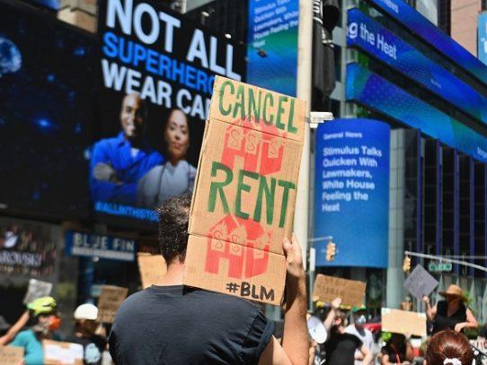 Empresas de Nueva York prometen contratar a 100.000 personas desfavorecidas para 2030