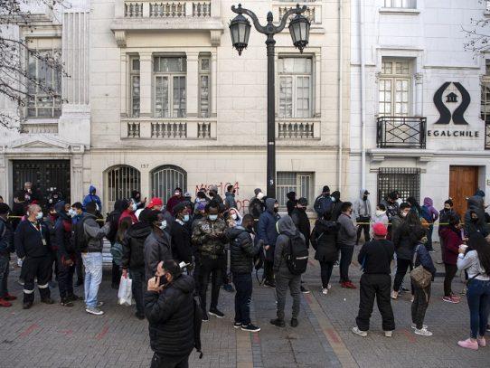 Centro de Santiago vuelve a la vida tras cinco meses de cuarentena