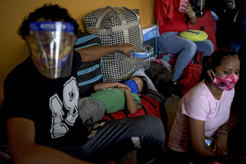 Pandemia provoca hambre y desesperación entre refugiados nicaragüenses en Costa Rica
