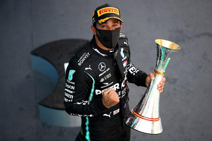 Hamilton y Verstappen, alejados de primeros puestos tras reinicio del GP de Hungría