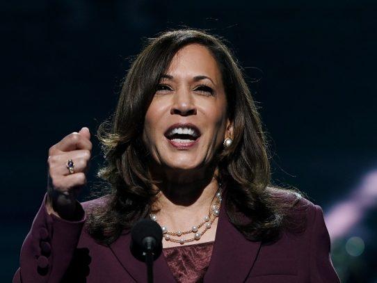 Kamala Harris rompe otro techo de cristal y se convierte en vicepresidenta de EE.UU.