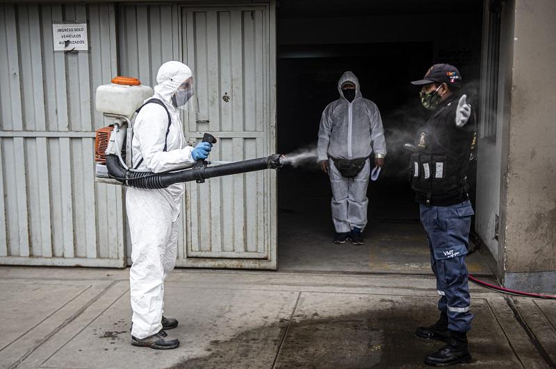 PIB de Perú cae 11,71% en julio por impacto de la pandemia