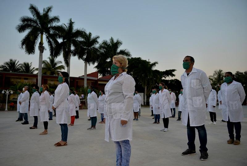 Guatemala estudia salida de brigada médica cubana en medio de pandemia