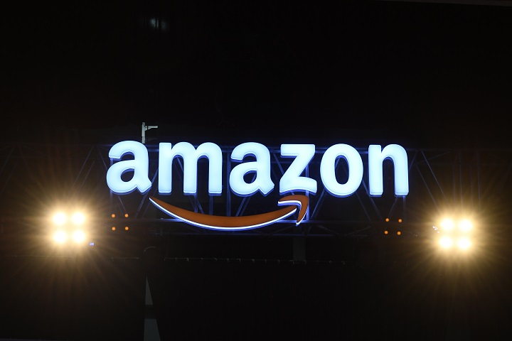 Amazon presenta nueva pulsera que promete medir la felicidad