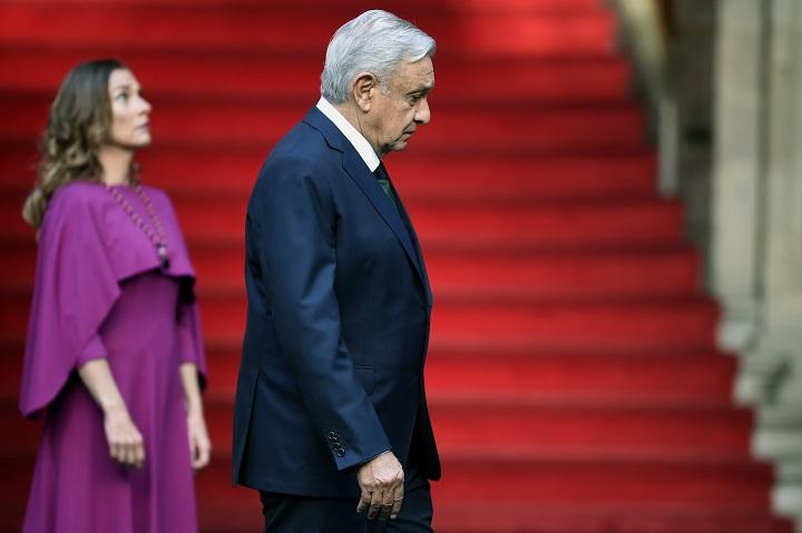 Presidente de México en disputa legal por citar al papa