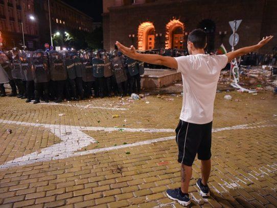 Al menos 55 heridos y 95 detenidos en manifestaciones anticorrupción en Bulgaria