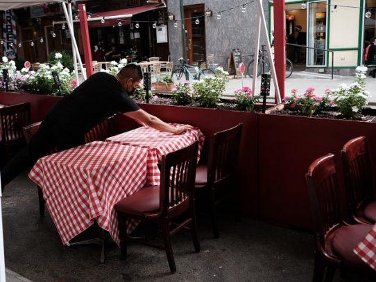 Estudio apunta a los restaurantes como probables lugares de contagio de Covid-19