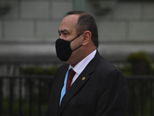 El presidente de Guatemala se contagia de covid-19