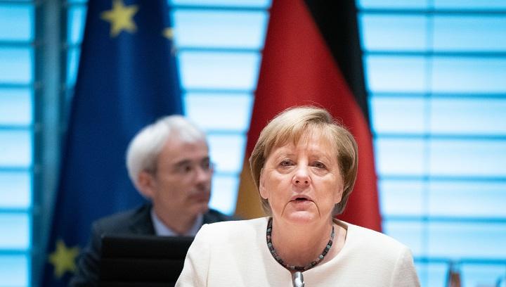 """Merkel """"muy preocupada"""" por aumento de casos de coronavirus en Alemania"""