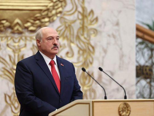 UE inicia procedimiento para sancionar al bielorruso Lukashenko