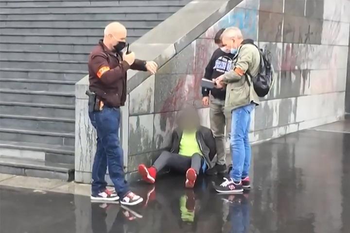 Dos heridos por arma blanca cerca de antigua sede de Charlie Hebdo