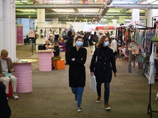 Londres aumenta las ayudas al empleo ante la disparada de casos de covid-19