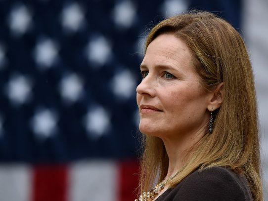 Trump nombra a la jueza conservadora Amy Coney Barrett a Corte Suprema de EE.UU.