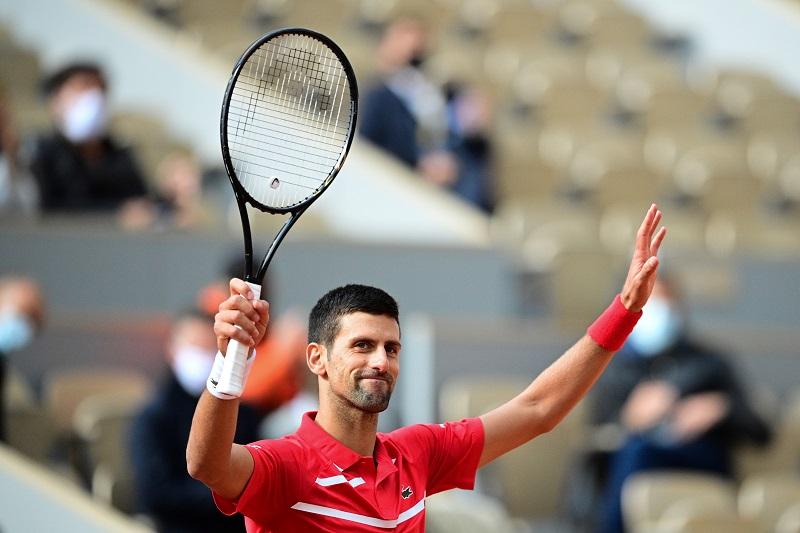 Djokovic y Federer buscan el paso a semifinales de Wimbledon