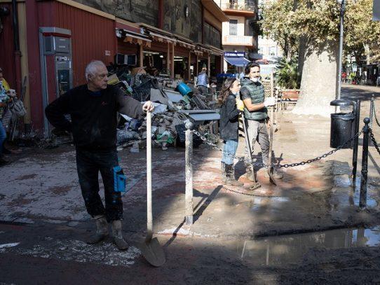 Al menos un muerto y más de 20 desaparecidos por el temporal en Italia y Francia