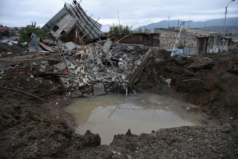 Estalla en pedazos un tercer intento de alto el fuego en Nagorno Karabaj