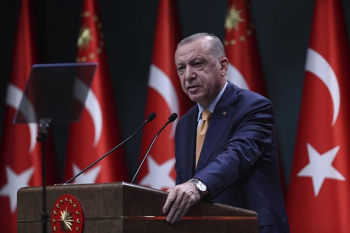 Turquía niega haber apuntado a clínica en reciente ataque aéreo en Irak