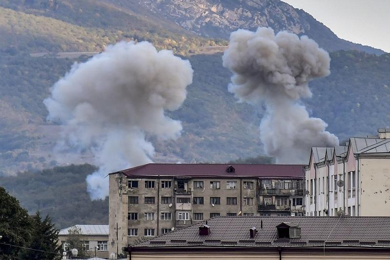 Azerbaiyán anuncia 19 muertos y 60 heridos por ataque armenio con misil