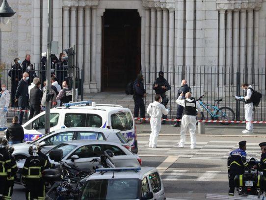 """""""¡Corran, corran... hay gente muerta!"""", un camarero cuenta los minutos de pánico tras ataque en Niza"""