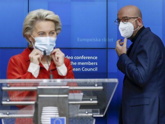 """Negociaciones posbrexit proseguirán la próxima semana para intentar resolver las """"importantes divergencias"""""""