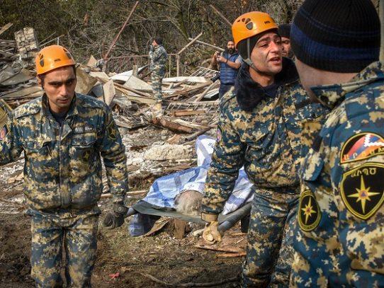 Intensos combates cerca de localidad clave en Nagorno Karabaj, según Armenia