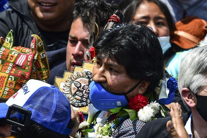 Evo Morales regresa a Bolivia casi un año después de su exilio en Argentina