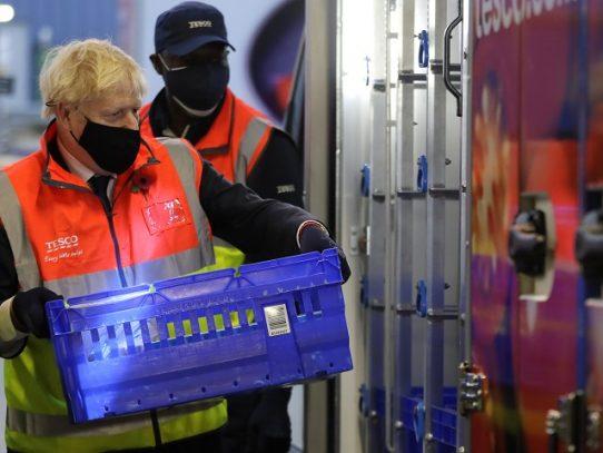 Primer ministro británico aislado luego de contacto con un infectado de Covid-19