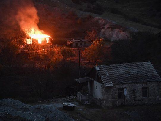 Futuro incierto para Nagorno Karabaj tras la derrota militar
