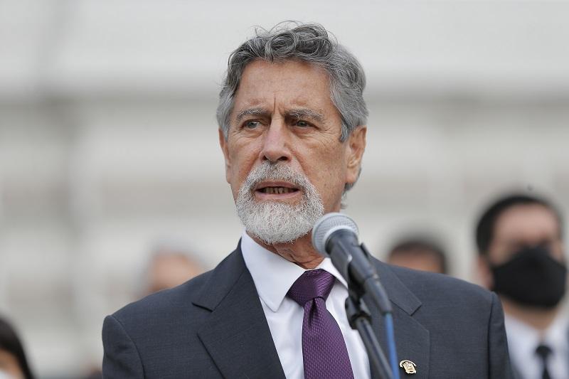 Sagasti jura como nuevo presidente de Perú tras una semana de caos