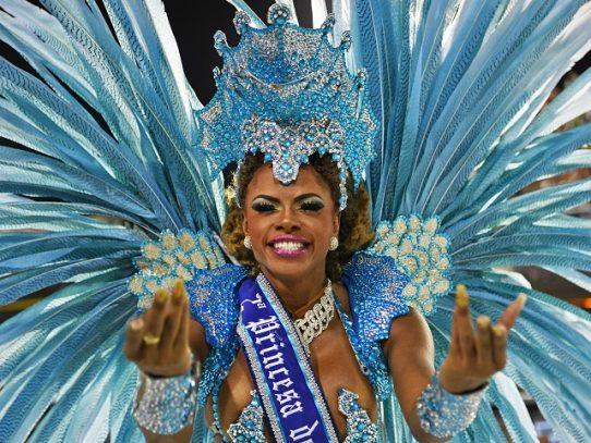 Rio estudia realizar su Carnaval en julio debido a la pandemia