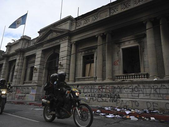 Guatemala espera nuevas movilizaciones contra un Giammattei que guarda silencio