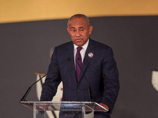 FIFA suspende por cinco años a presidente de la Confederación Africana, Ahmad