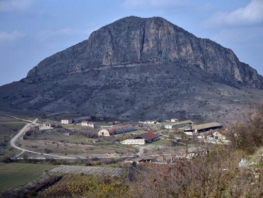 Los rivales de Karabaj se adaptan a las nuevas fronteras