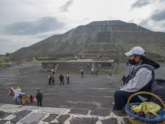 """Teotihuacán, la """"ciudad de los dioses"""", renace en México tras cierre por covid-19"""