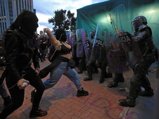 """""""Reconciliación"""" en medio de protestas contra violencia policial en Colombia"""