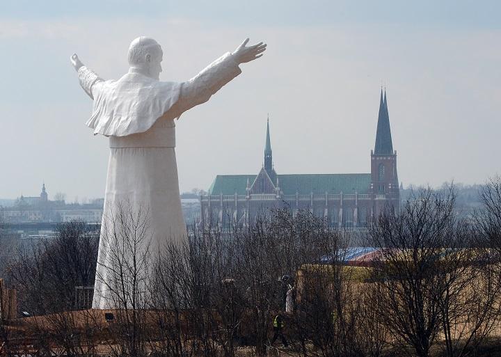 Centenario de nacimiento de Juan Pablo II, manchado por caso de pedofilia en Iglesia polaca