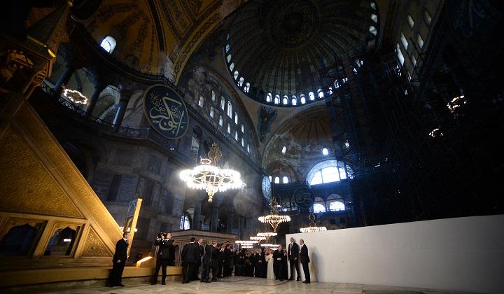 Turquía transforma a la antigua Basílica de Santa Sofía en una mezquita