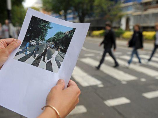 Fans de Los Beatles celebran 50º aniversario de la foto de Abbey Road